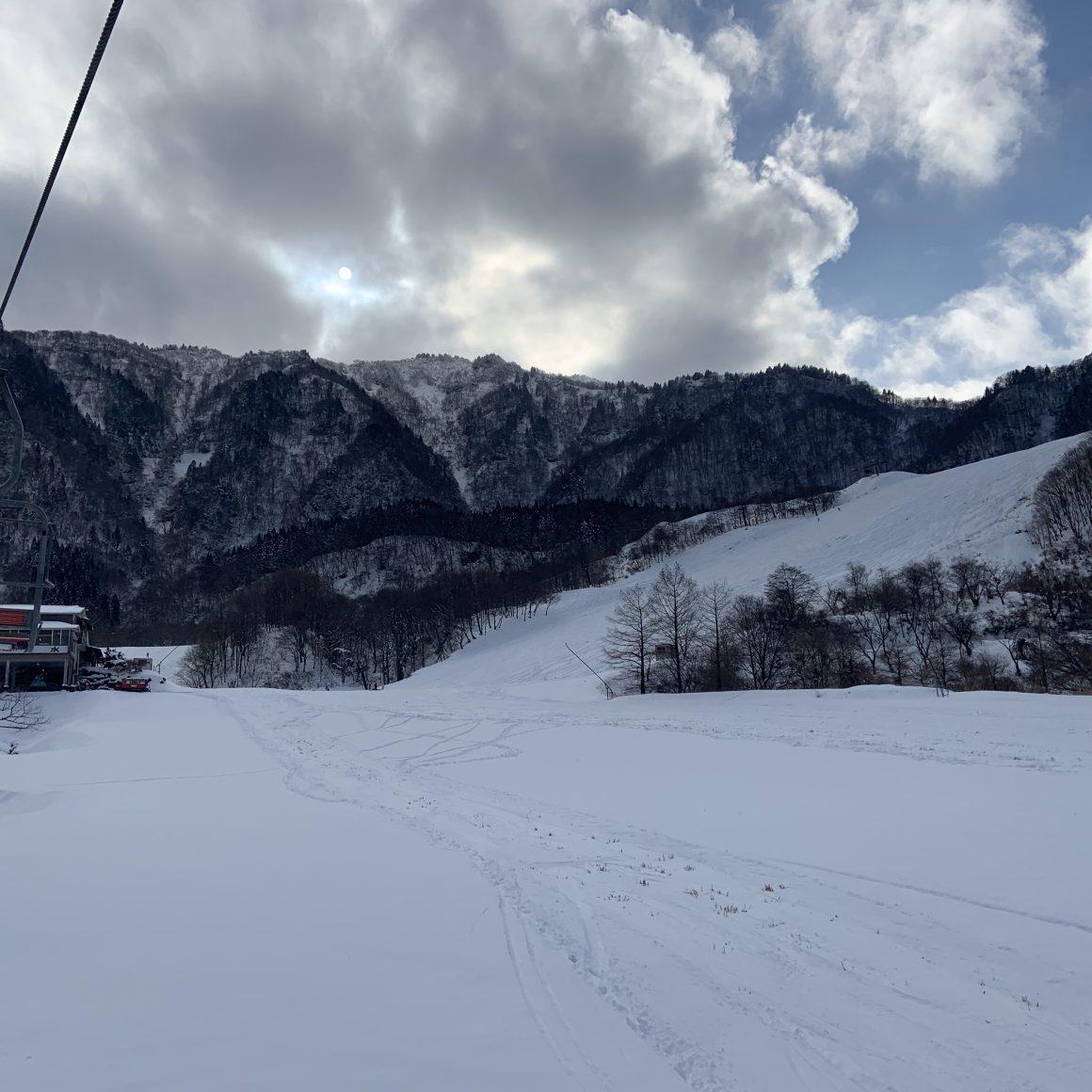 兵庫県養父市スキー場は氷ノ山国際スキー場かハチ高原スキー場へ